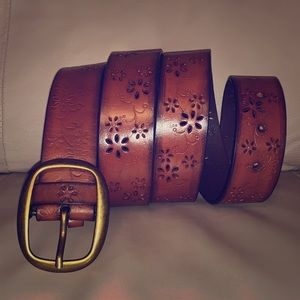 Accessories - Beautiful brown leather belt flower cutouts 1X euc